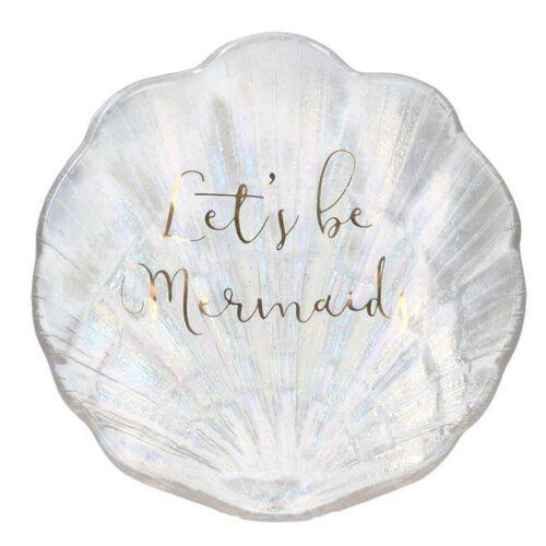 Szklane naczynie w kształcie muszli na biżuterię i inne drobiazgi.