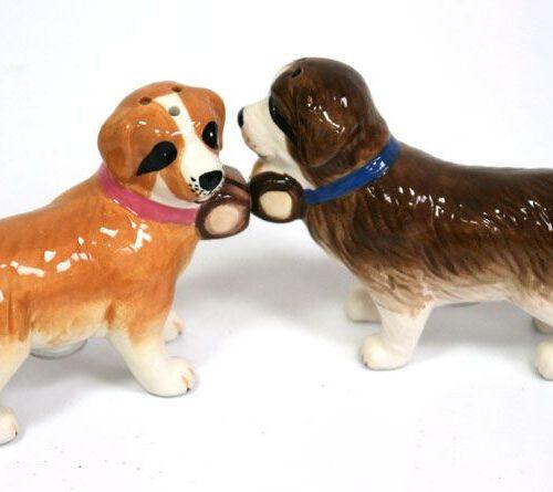 Ceramiczna solniczka i pieprzniczka w kształcie psów rasy bernardyn