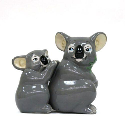 Ceramiczna solniczka i pieprzniczka w kształcie misiów koala.